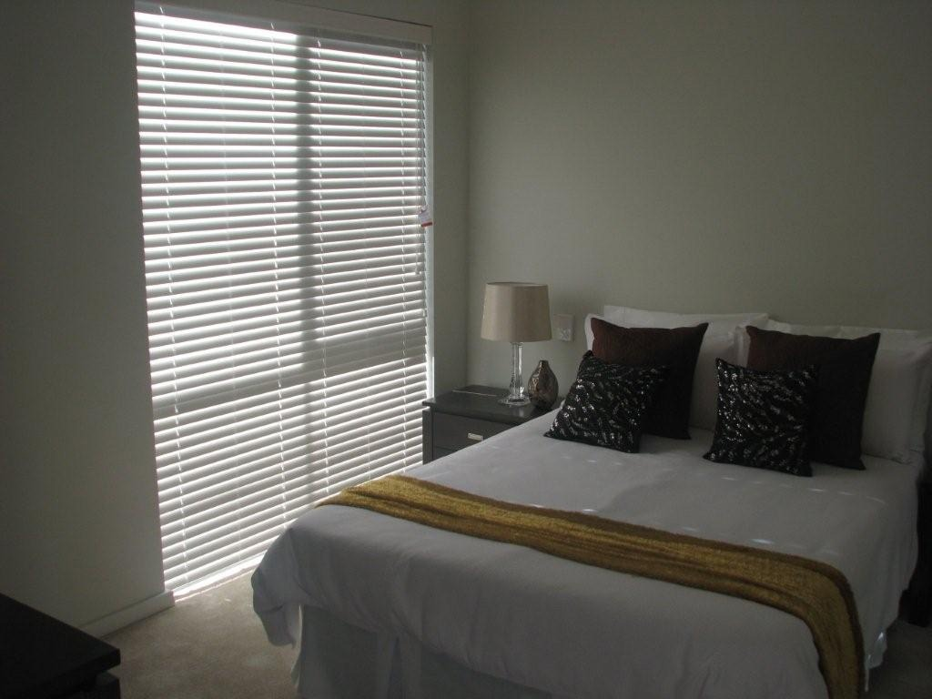 venetian blinds in a bedroom